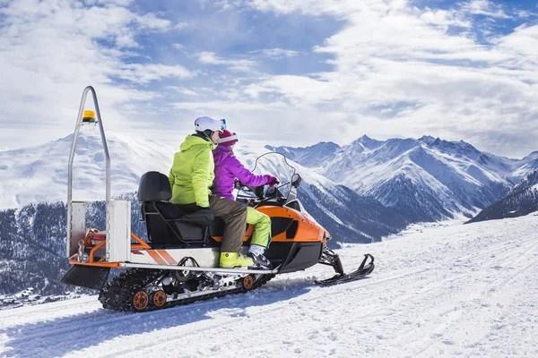 ᐈ Девушки на снегоходах фото, фотографии девушка снегоход ...