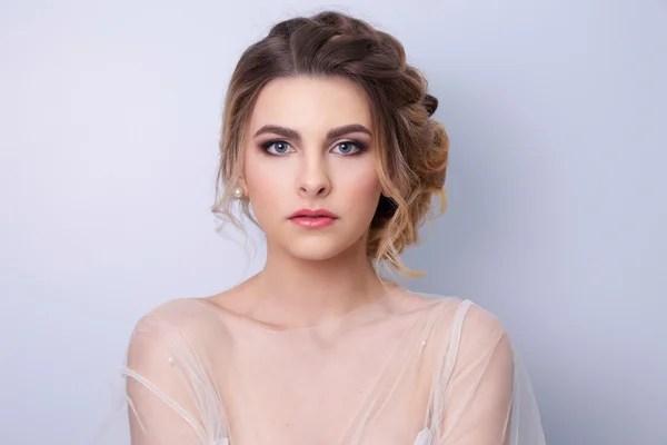 Модным Портрет девушки модели. Мода, аксессуары гламур, ню ...