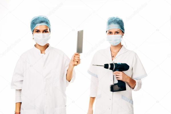 Фото молодых медсестер. Молодые медсестры позирует ...