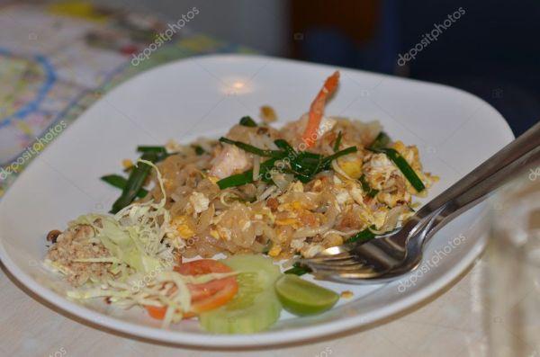 Тайские вкусные блюда — Стоковое фото © aleksei_skalkin ...