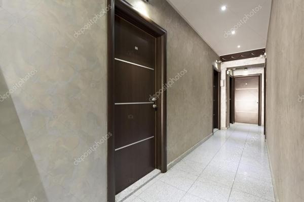 Коридор в елегантному готелі — Стокове фото © rilueda ...