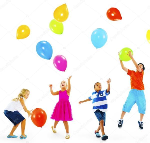 Дети играют с воздушными шарами — Стоковое фото © Rawpixel ...