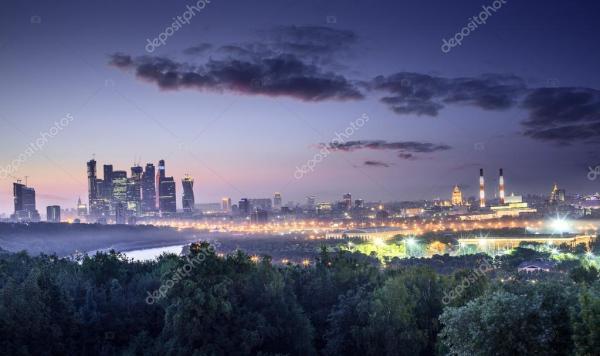 Москва в ночное время - вид с Воробьевых гор – Стоковое ...