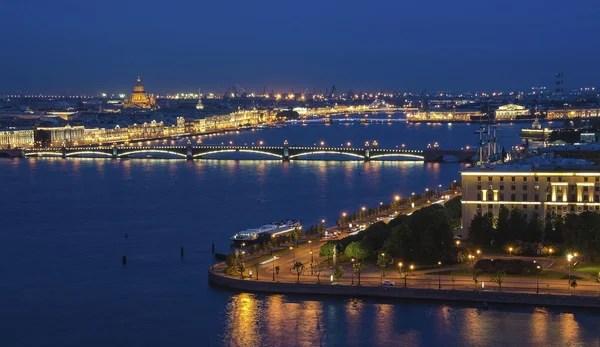 Вид на Санкт-Петербург с высоты. Избранное внимание в ...