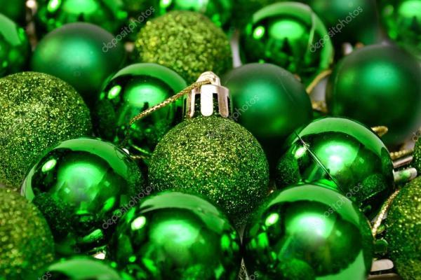 Елка зеленые шары. Новый год Рождество декор зеленый шары ...
