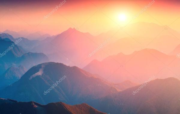 Фото восхода солнца в горах. Большой восход солнца в горах ...