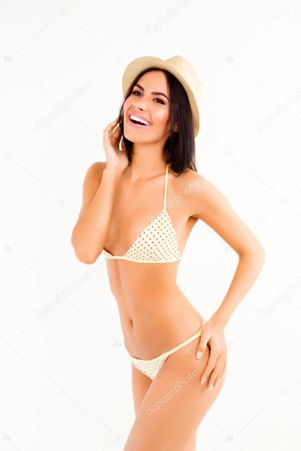 Красивые счастливая женщина смеется в бикини и летние ...