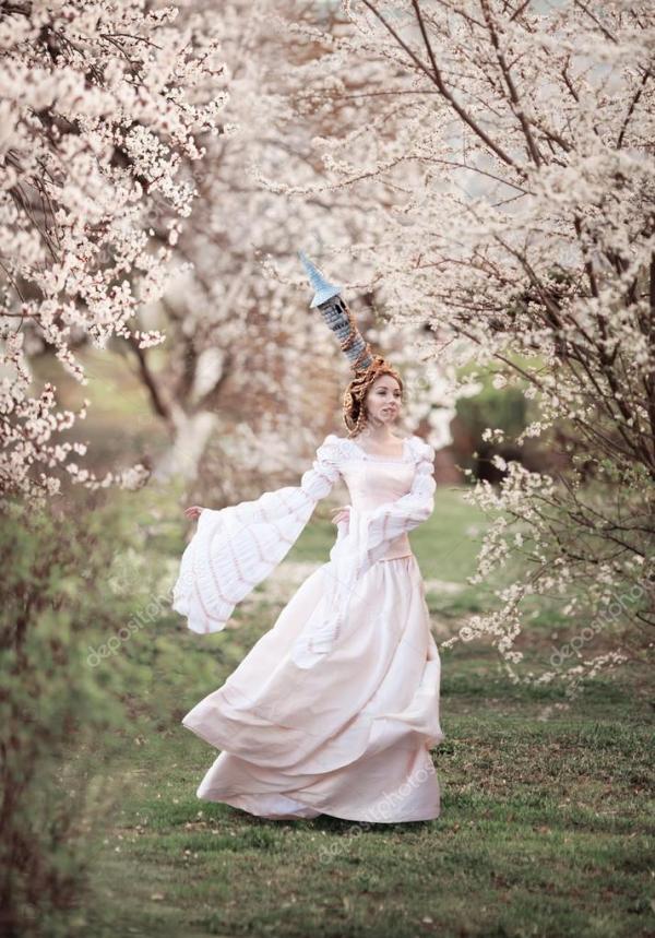 Фото: рапунцель в башне. Рапунцель в весеннем цвету ...