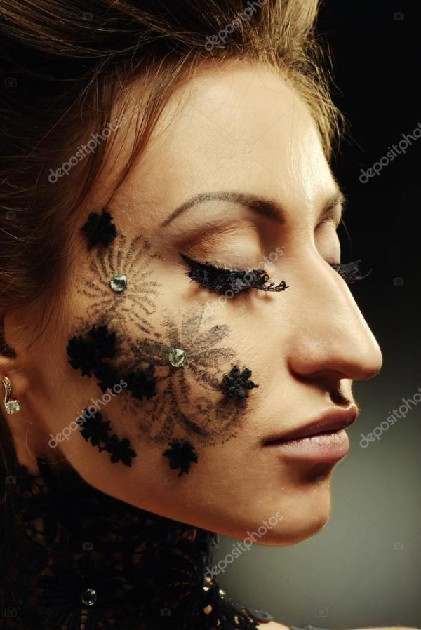 боди арт цветы на лице
