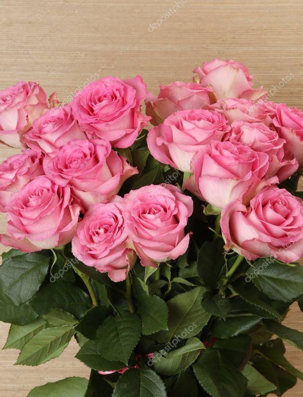 Букет Красивых Розовых Роз — Стоковое фото © Elena777 ...