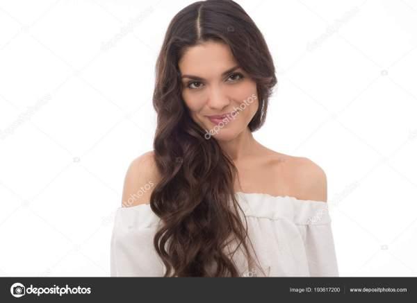 Портрет превосходно середине возрасте брюнетка женщина ...