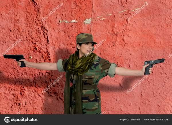 Красивая женщина солдат — Стоковое фото © robeo123 #161694596