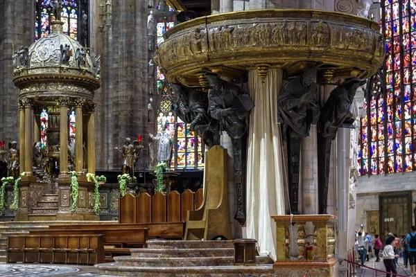 Вхід до гробниці Святого Петра у Ватикані — Стокове фото ...