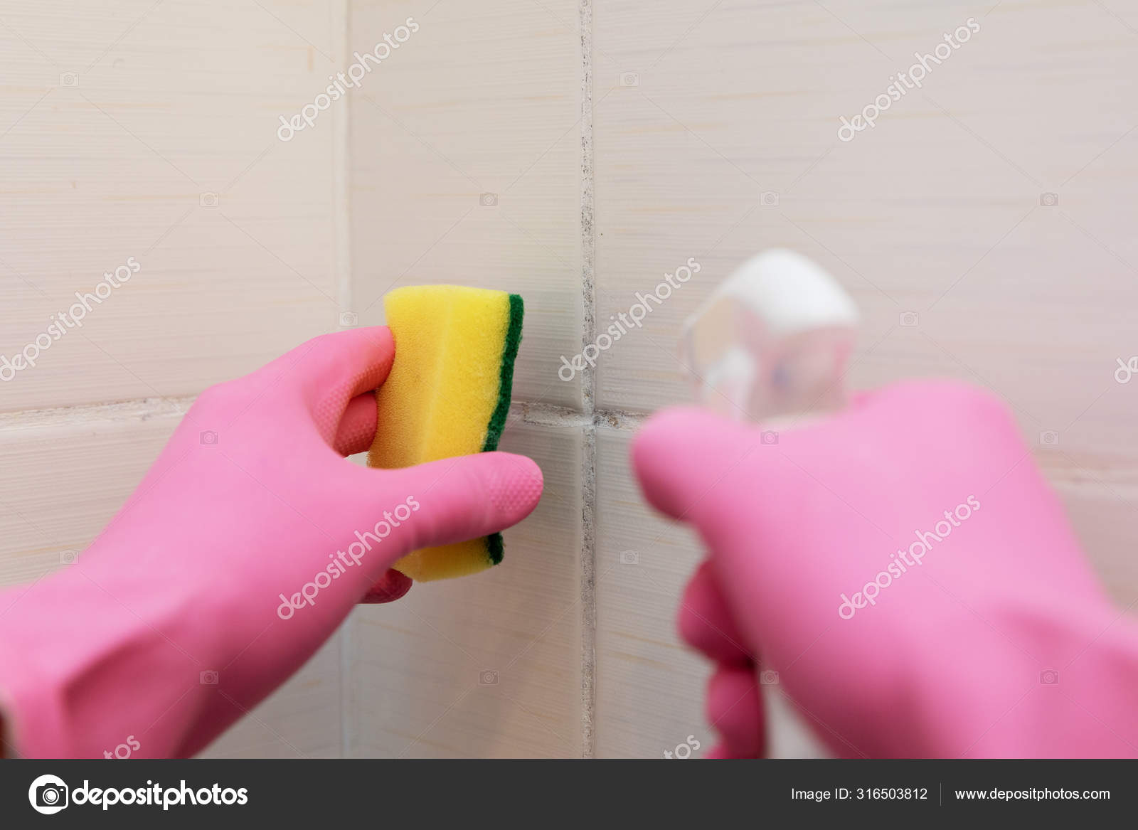https depositphotos com 316503812 stock photo dirty tile cleaning and mold html