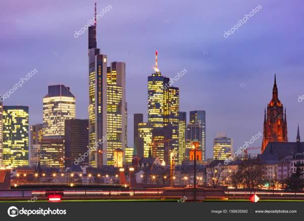 Ночь Франкфурт на Майне, Германия — Стоковое фото ...