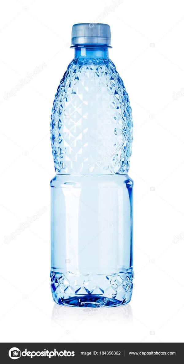 Пластиковая бутылка воды изолированы — Стоковое фото ...