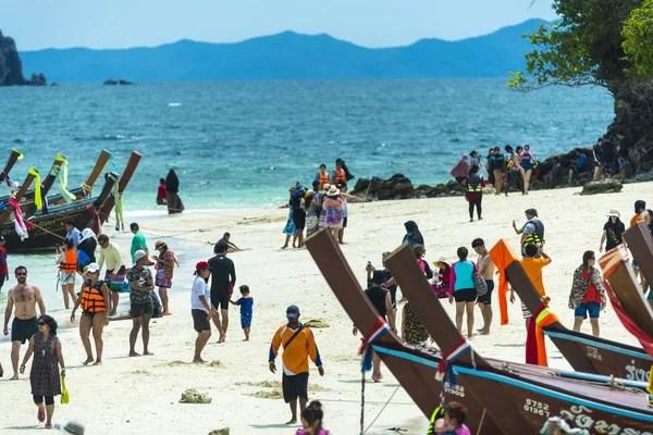 Красиві пляжі бікіні дівчата – Стокове редакційне фото ...