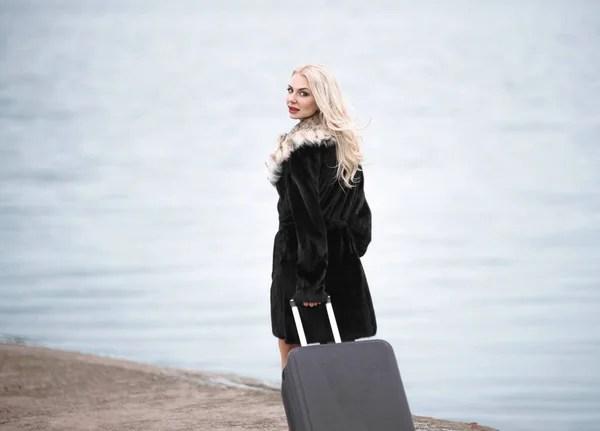 Картинки блондинка девушка вид сзади, Стоковые Фотографии ...