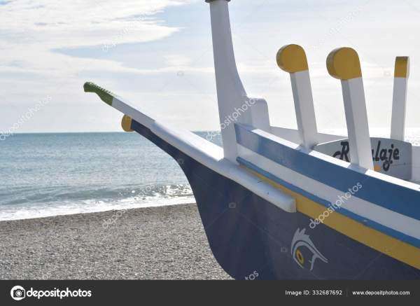 Традиционная Средиземноморская Лодка Финикийским Глазом ...