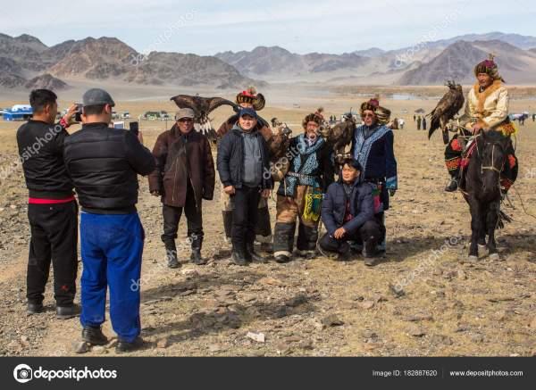 Олгий Монголия Сентября 2017 Года Охотники Орлов ...