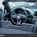 Painel Interior De Aranha De Fiat 124 Preto Em Vitrine Fotografia De Stock Editorial C Neydtstock 195730872