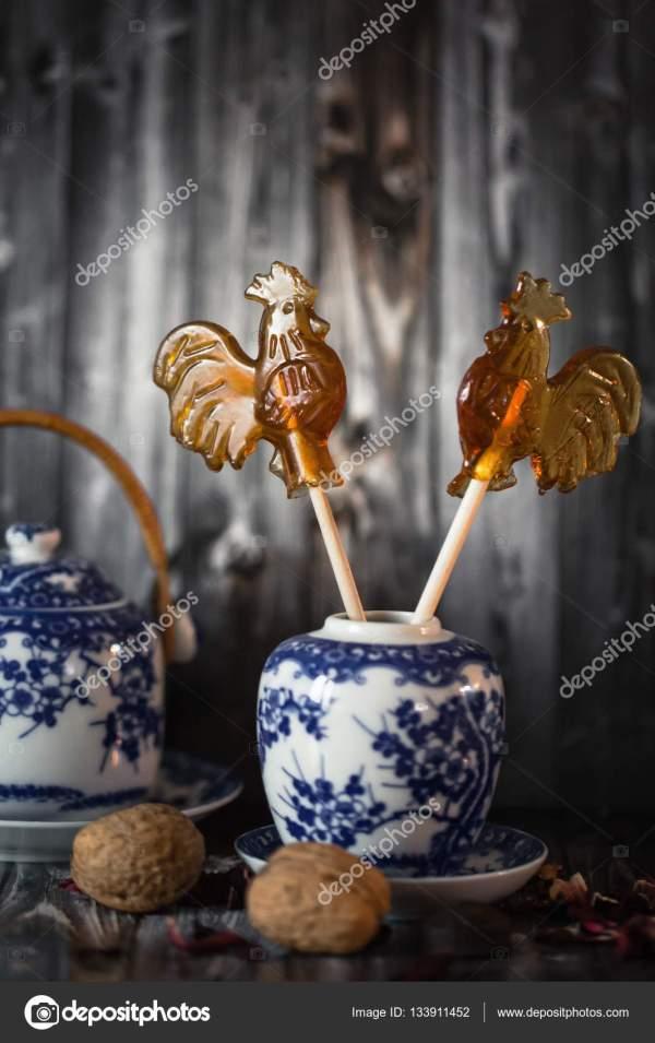 Конфеты гжель. Набор декоративной фарфоровой посуды, чашки ...