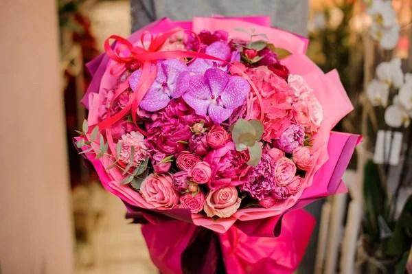 Огромного букета роз фото и картинки огромный букет роз