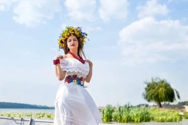 Фото русских девушек в национальной одежде. Красивая ...