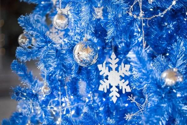 Фоне елки и елочные украшения — Стоковое фото © nejron ...
