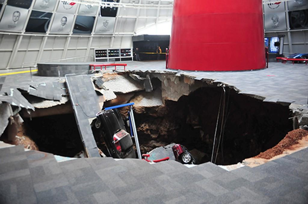 Museo Nacional Corvette, Kentucky (EEUU), 12 de febrero de 2014