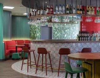 Trabalhar num escritório com bar? Sim, na sede da Bacardi-Martini ...