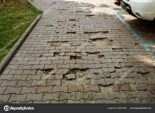 Damaged Asphalt Road Potholes Caused Freeze Thaw Cycles Winter Bad ⬇ Stock  Photo, Image by © ALesik #234331558