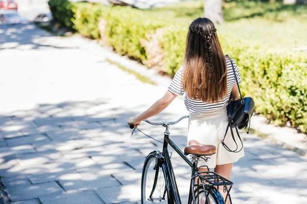 ᐈ Реальные девушки со спины фотографии, рисунки девушка ...