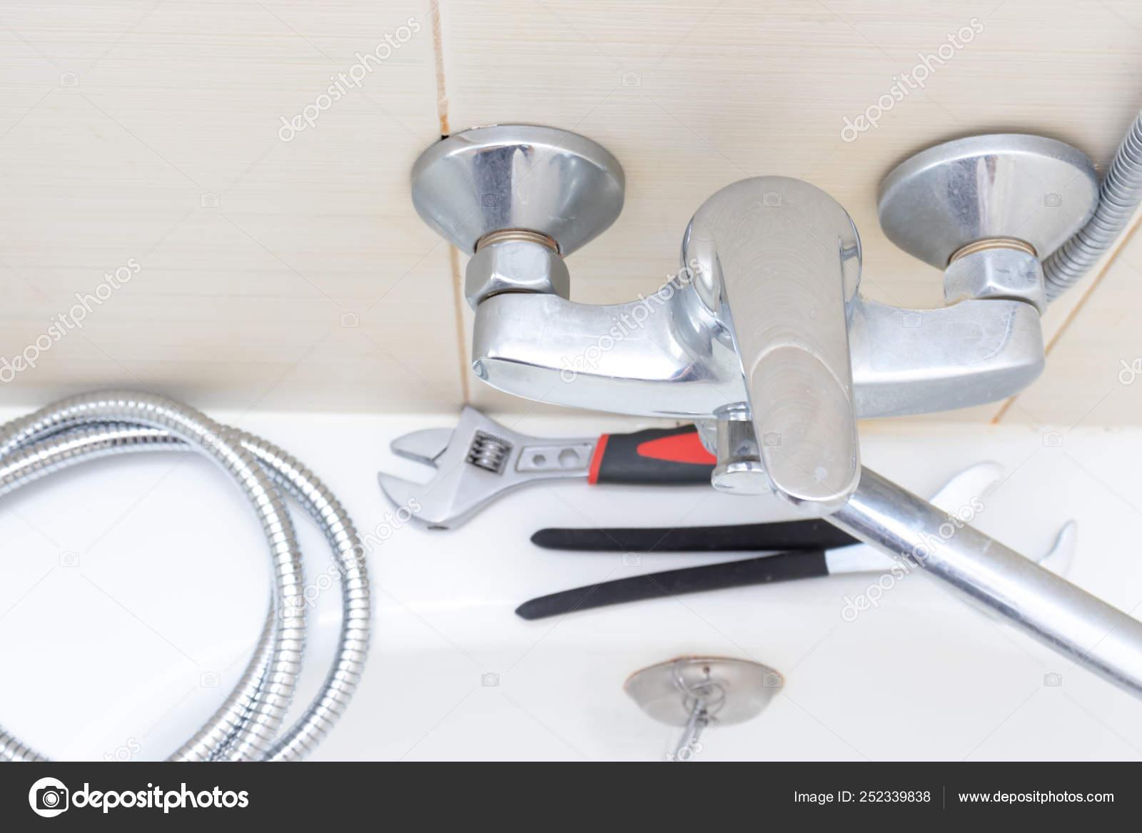 https depositphotos com 252339838 stock photo shower water tap faucet repair html