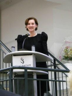 ... Dr. Christiane Theobald zu Wort.
