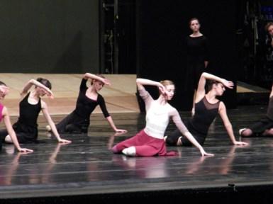 Tänzerinnen aus dem Corps de ballet.