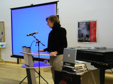 Begrüßung durch Dr. Christiane Theobald.