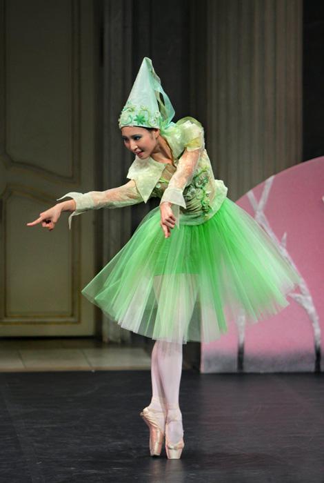AUF DER BÜHNE: Marina Kanno als Grüne Fee.