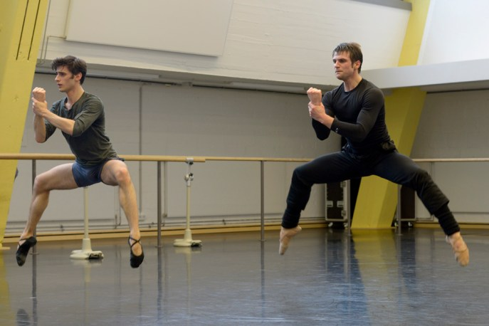 Nicola Del Freo und Dominic Hodal als Donner