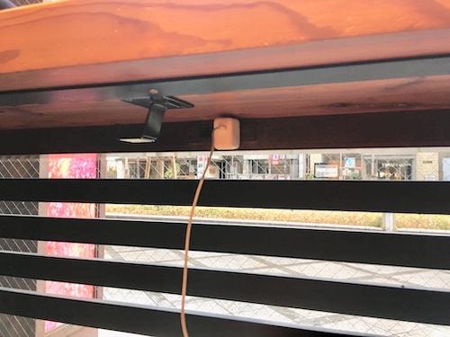 京都タワーサンド店 スタバの電源コンセント写真