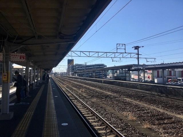 新守山駅のホームからアピタ新守山