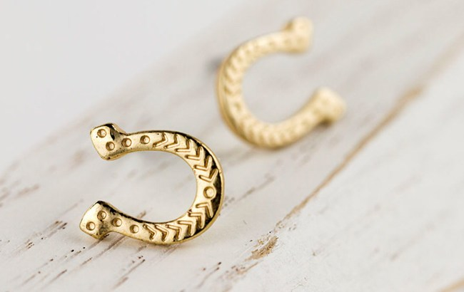 lucky gold horseshoe studs