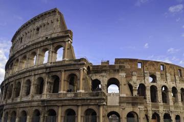 Групажен транспорт до Италия