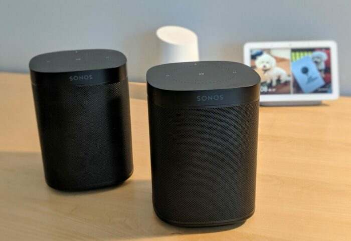 - Sonos One Google Home Hub 1024x703 e1558014360628 - Hi, my name is Kevin and I don't like smart home scenes – Stacey on IoT