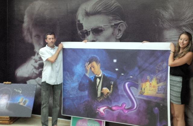 Steve Stachini BIO pic - The Bowie Art exhibition at the blackstar.STUDIO Launch Night.