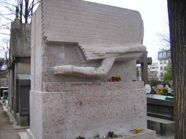 the supremely popular grave of oscar wilde.