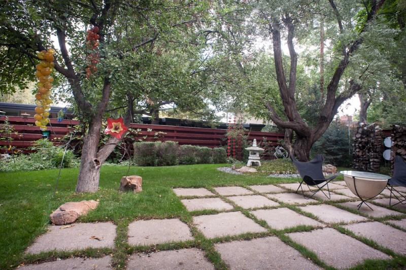 mid century modern yard