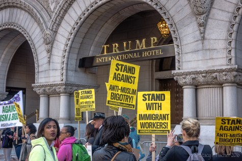 2016-10-trump-hotel-protest-4