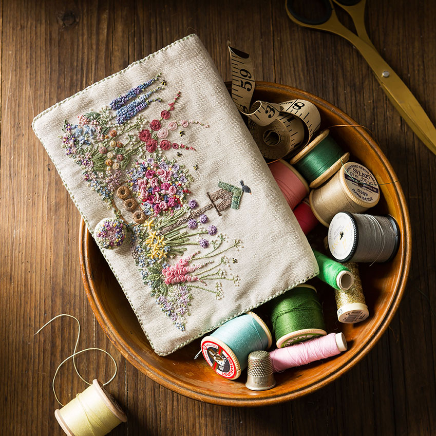 Embroidered Country Garden_Stacy Grant Photography