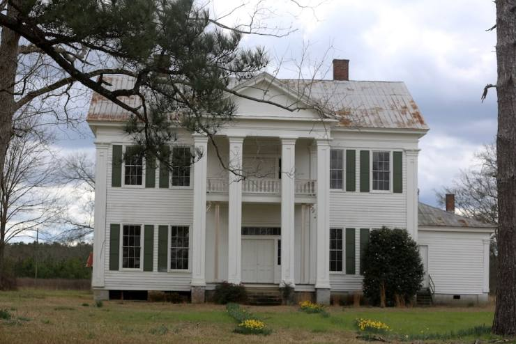 Majestic Southern Home in Orrville